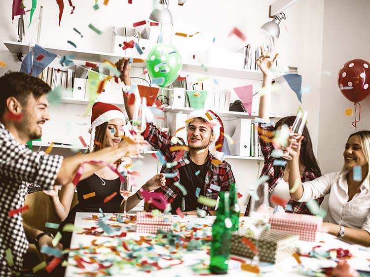 Holiday office party do's and don'ts
