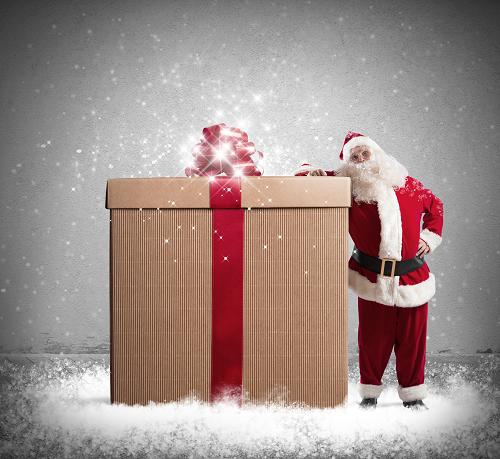 Babbo Natale porta un pacco pieno di lavoro