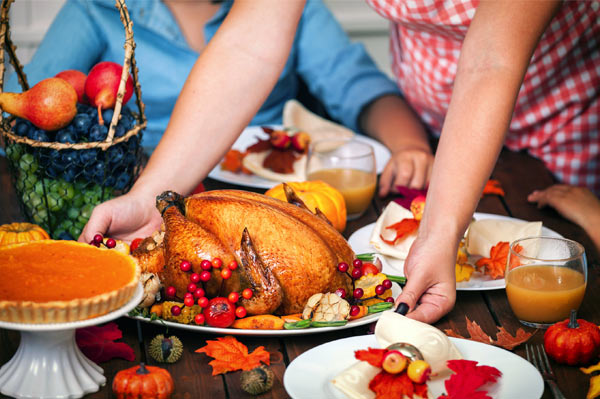 These 41 stores are giving employees Thanksgiving off
