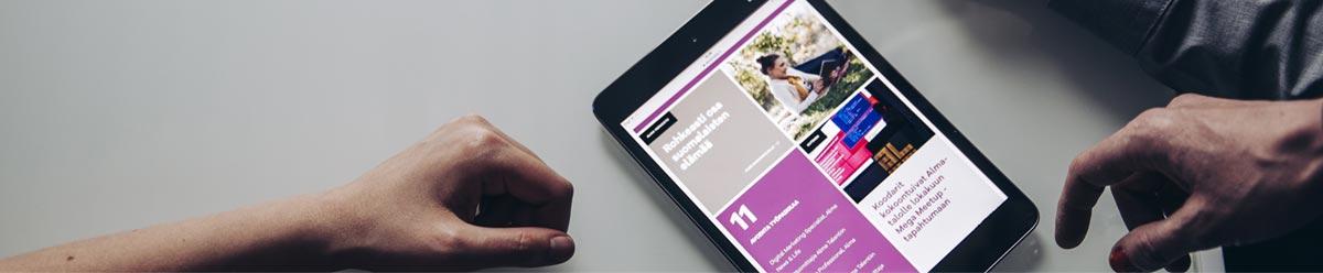 <p>Alma Media on digitaalisiin palveluihin ja julkaisutoimintaan keskittyvä mediakonserni. Alman lähes sata mediaa ja palvelua kohtaavat suomalaiset noin 20 miljoonaa kertaa päivässä. Tarjoamme uutissisältöjen lisäksi hyötytietoa elämäntyylin, työuran sekä liiketoiminnan kehittämiseen. Tunnetuimpia brändejämme ovat Kauppalehti, Talouselämä, Affärsvärlden, Iltalehti, Aamulehti, Etuovi.com ja Monster.<br /><br />Alma Mediassa työskentelee noin 2300 henkilöä, joista reilu kolmannes toimii Suomen ulkopuolella yhdeksässä eri Euroopan maassa.<br /><br /><strong>Tule mukaan kiihdyttämään kestävää kasvua!</strong></p> <p><br />Alman tarkoitus on kiihdyttää kestävää kasvua. Teemme työtä, jolla on merkitystä sekä yksiköille ja yrityksille että myös koko yhteiskunnalle. Almalaisina meillä kaikilla on mahdollisuus kasvuun oman työmme kautta. Meillä on lupa kehittyä, kehittää, kokeilla, uskaltaa, epäonnistua ja rakentaa uutta.<br /><br />Etsimme jatkuvasti uusia osaajia kehittämään yli sataa mediaa ja palveluamme yhdessä alan huippuosaajien kanssa. Joukkoomme sopii innokkaat ja positiiviset tyypit, joilla on rohkeutta tehdä asioita uudella tavalla. Moni puhuu, mutta vain tekijät muistetaan. Kumpaan sinä kuulut? <br /><br />#almaspirit<br />#rohkeuskasvaa</p>