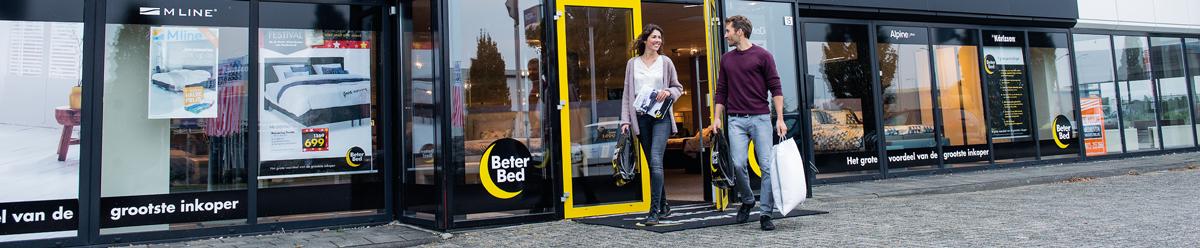<p><br />Beter Bed is Nederlands marktleider op het gebied van slapen. Ons assortiment strekt zich uit van scherp geprijsde boxsprings en bedbodems van onze huismerken tot matrassen en complete slaapkamers van A-merken als M line, Kårlsson, Mio Dormio en Alpine Plus. Met meer dan 1200 winkels in Europa en een uitgebreide webshop is een betere nachtrust bereikbaar voor iedereen. Ook zaken als de juiste service, uitprobeergarantie en gratis bezorging en montage maken Beter Bed net dat beetje beter. De gemiddelde klant beoordeelt ons met een dikke 9! En ja, daar zijn we trots op.<br /><br />Join a winning team<br />Werken voor Beter Bed betekent actief zijn bij een succesvolle, groeiende onderneming met kwalitatief hoogwaardige producten. Of het nu gaat om ons hoofdkantoor, de winkels, het magazijn of onze vrachtwagens, er is volop ruimte voor initiatieven en ideeën. Samen werken we in een open en resultaatgerichte omgeving. Dat er ook nog eens oog is voor ieders ontwikkeling én voor gezelligheid op z'n tijd, trekt jou vast over de streep. Hier wil je toch deel van uitmaken?</p>