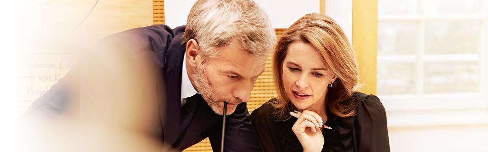 Mit unserer langjährigen Rekrutierungserfahrung und unseren Kenntnissen des Personalmarktes sind wir für Sie ein starker Partner. Denn durch unsere intensiven Kundenbeziehungen über alle Industriebranchen hinweg vermitteln wir Spezialisten spannende Aufgaben und attraktive Positionen. Ob in einem internationalen Konzern oder bei einem regionalen Marktführer: Ganz nach Ihren Interessen und abhängig von Ihrer Erfahrung. Mit uns finden Sie als Spezialist das passende Umfeld – und das völlig kostenfrei. Registrieren Sie sich und profitieren Sie von interessanten und passenden Positionen und Projekten.